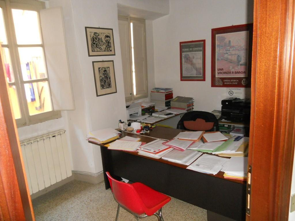 Appartamento in vendita a Barga, 5 locali, prezzo € 160.000   CambioCasa.it