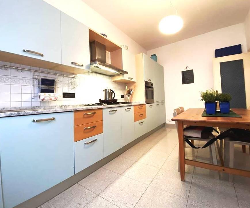 Appartamento in vendita a Portovenere, 4 locali, prezzo € 225.000   PortaleAgenzieImmobiliari.it