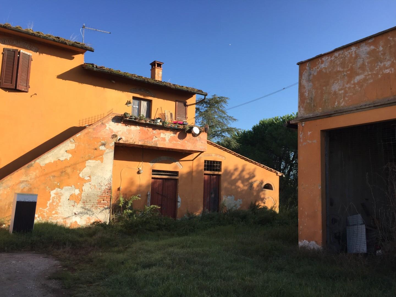 Farmhouse for sale in San Giuliano Terme (PI)