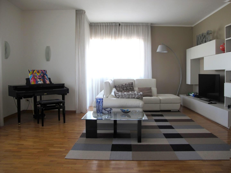Appartamento in vendita, rif. 8990