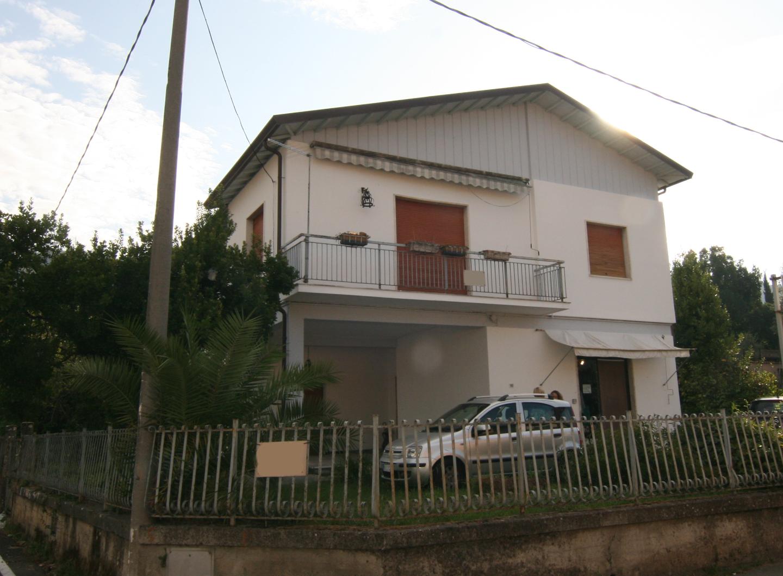 Casa singola in vendita a Carrara (MS)