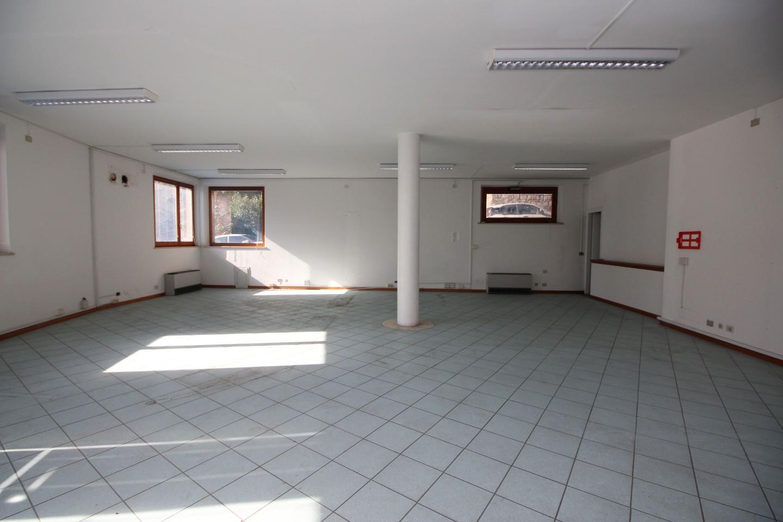 Ufficio / Studio in affitto a Siena, 4 locali, prezzo € 1.800 | CambioCasa.it