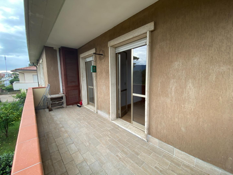 Appartamento in affitto - Marina Di Massa, Massa