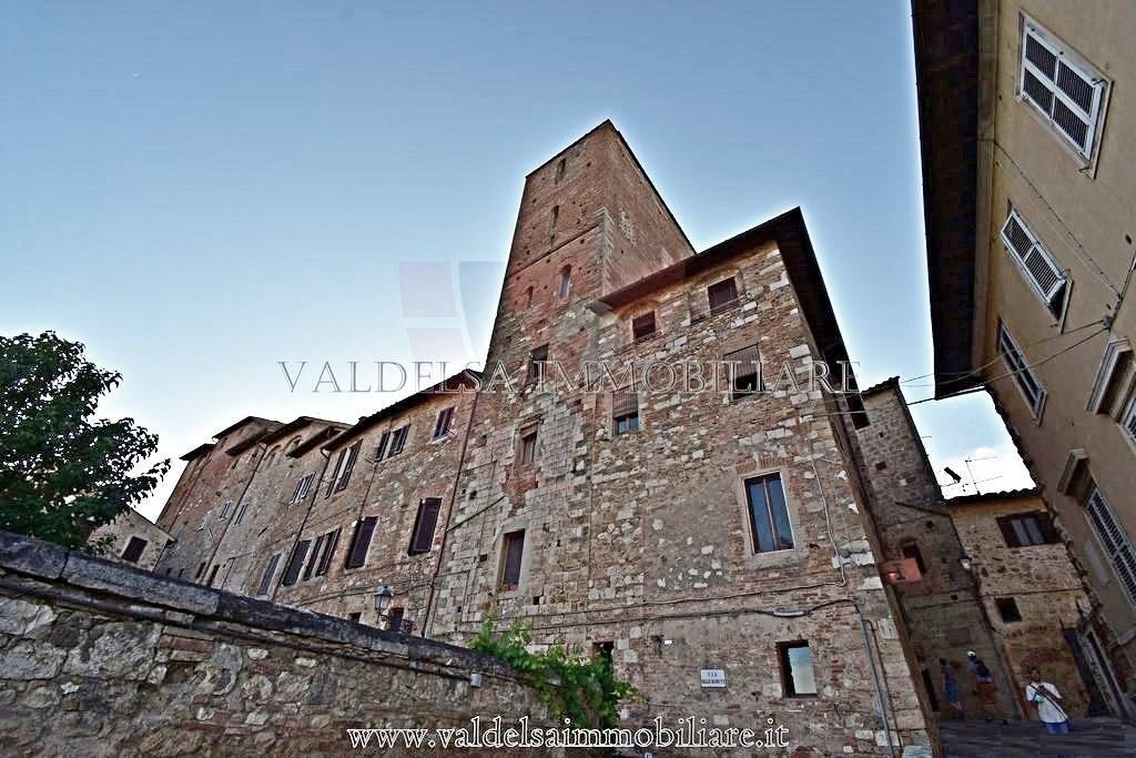 Edificio storico in vendita a Colle di Val d'Elsa (SI)