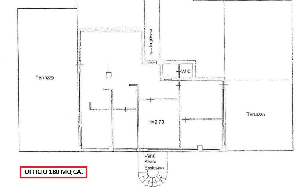 Ufficio / Studio in vendita a Carrara, 6 locali, prezzo € 135.000 | CambioCasa.it