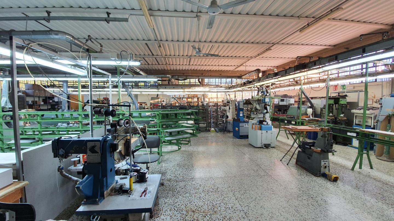 Capannone in vendita a Lamporecchio, 5 locali, prezzo € 450.000 | CambioCasa.it