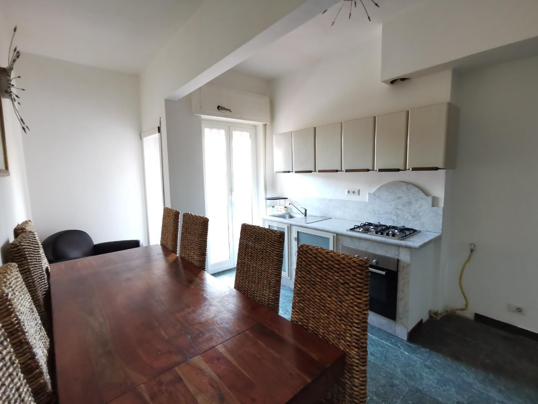 Appartamento in affitto, rif. E353