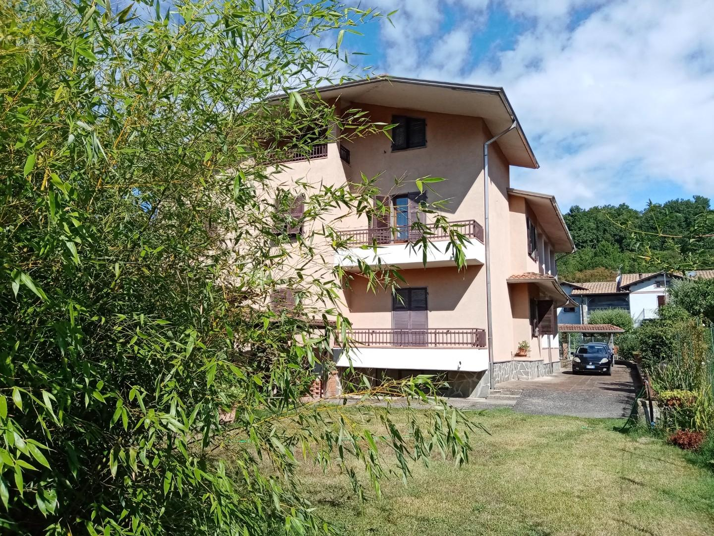 Villa in vendita a Licciana Nardi, 12 locali, prezzo € 450.000   PortaleAgenzieImmobiliari.it