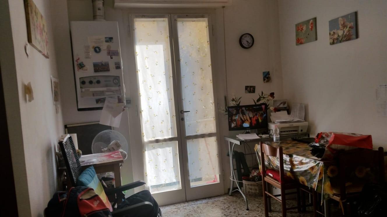 Appartamento in affitto, rif. 2 vani centralissimo in aff 89