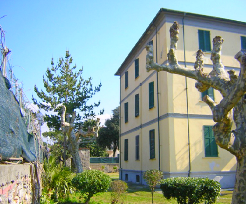 Villa singola in vendita a Marina Di Massa, Massa