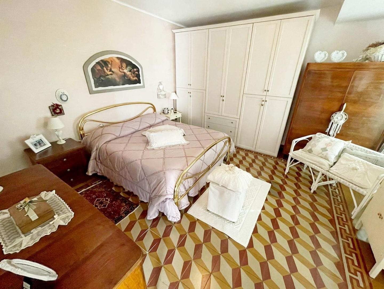 Casa semindipendente in vendita, rif. v1837