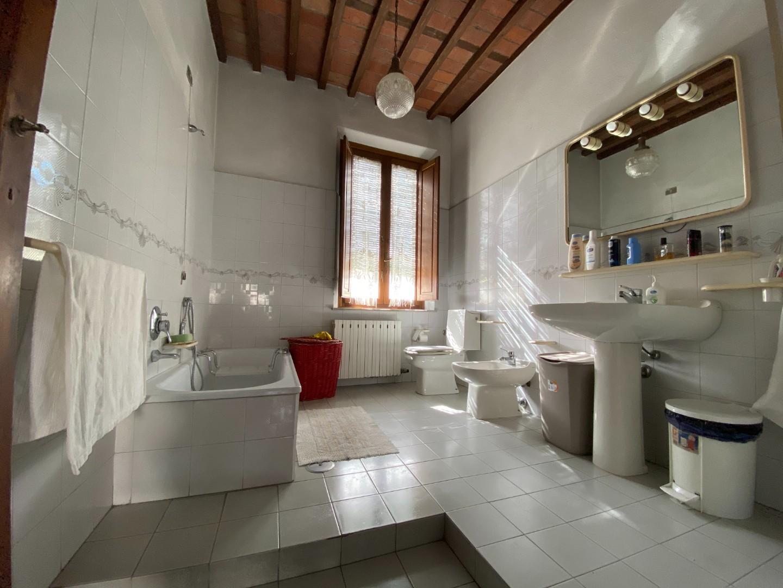 Casa singola in vendita, rif. 02370
