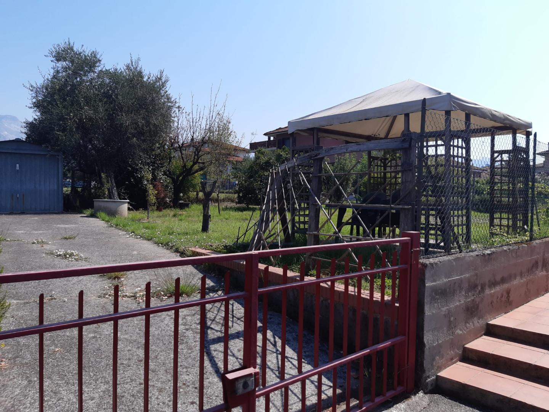 Villetta a schiera angolare in vendita, rif. A1103