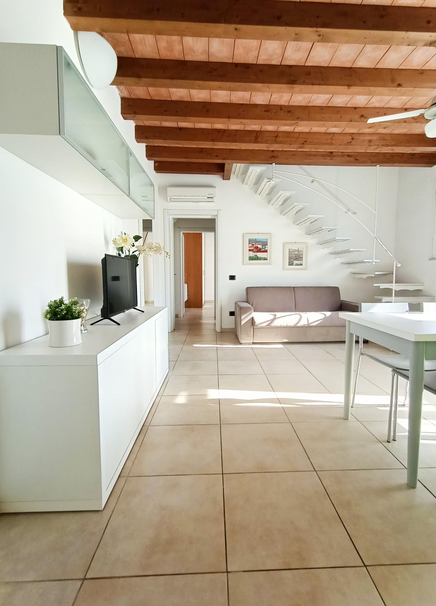Duplex in affitto a Massa