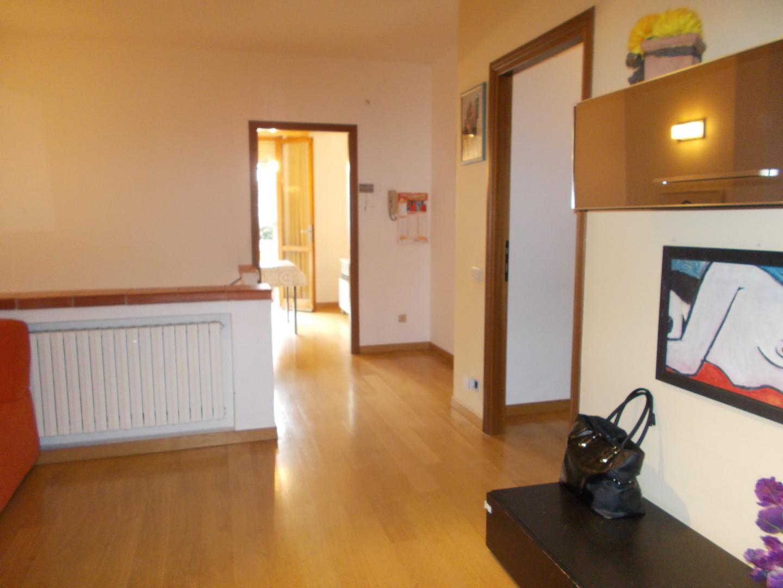 Appartamento in affitto a Ponsacco, 4 locali, prezzo € 600   CambioCasa.it