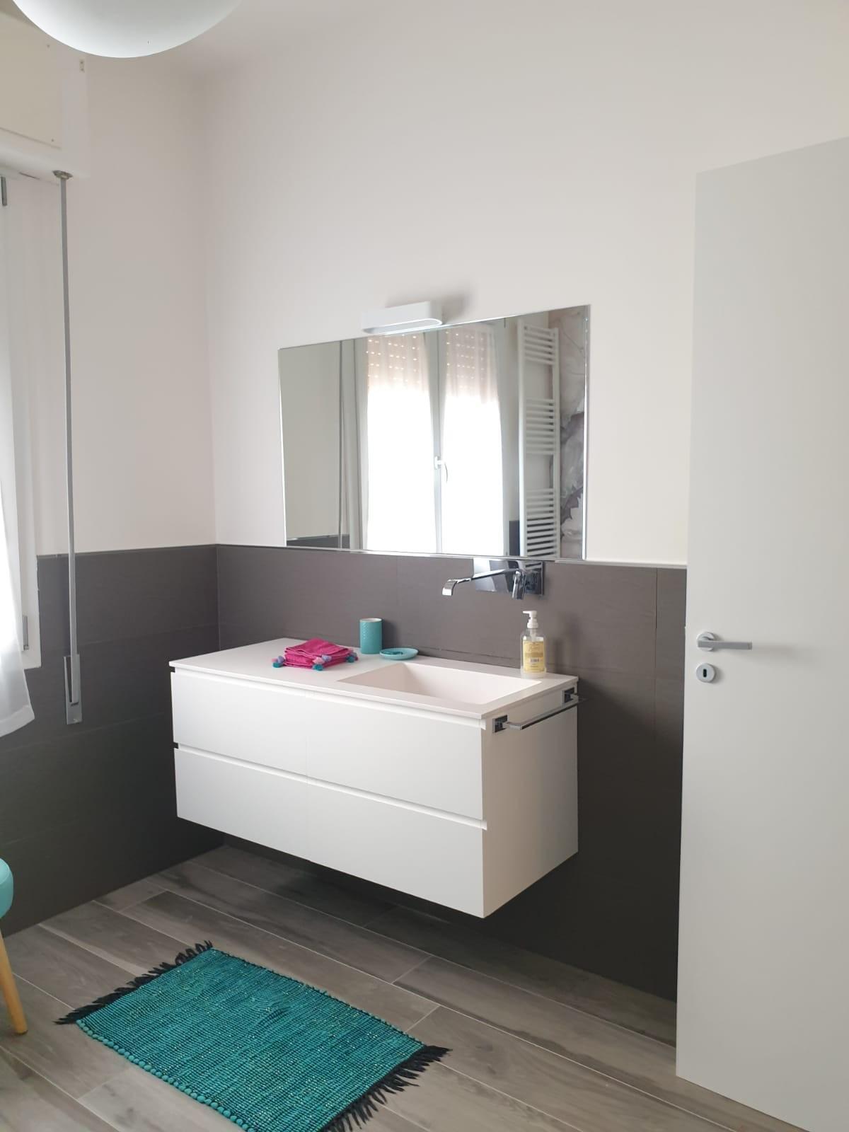Appartamento in affitto, rif. MF153