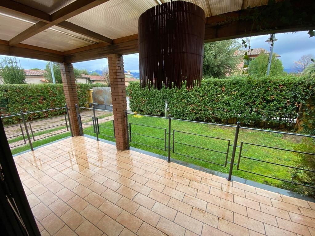 Semi-detached house for sell in Pietrasanta (LU)