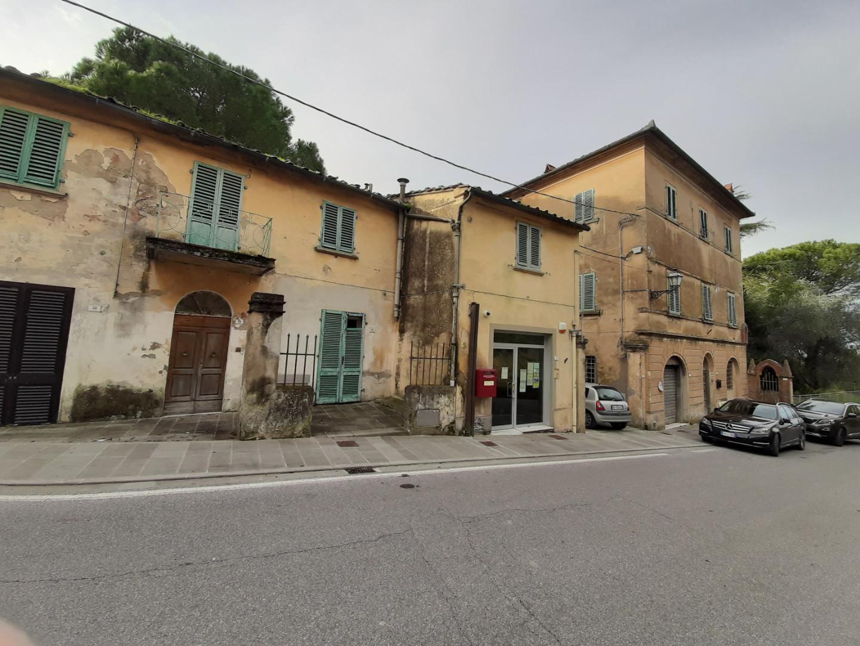 Stabile/Palazzo in vendita a Peccioli (PI)