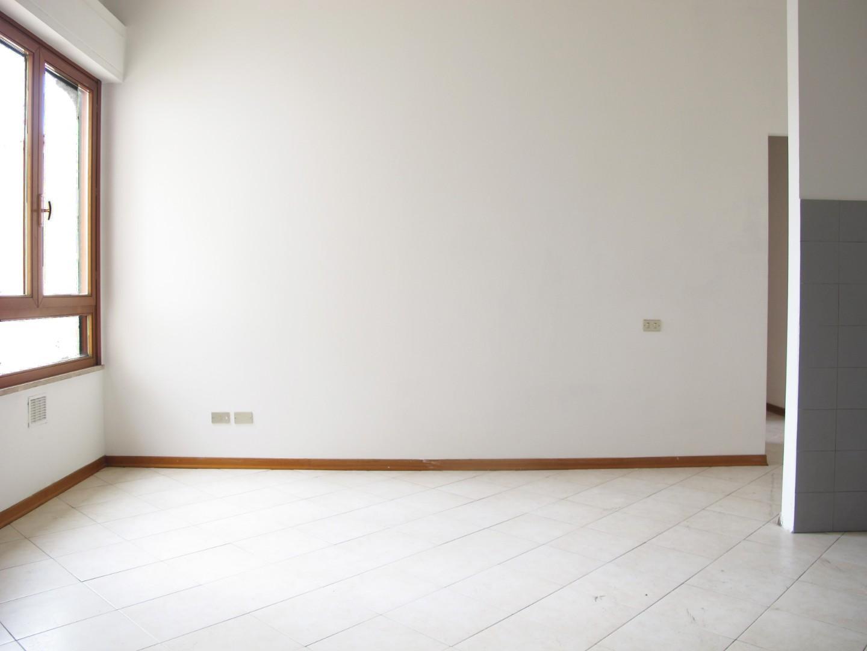 Appartamento in vendita, rif. 6126