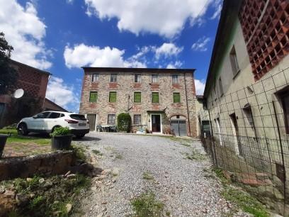 Casale in vendita a Montecarlo (LU)