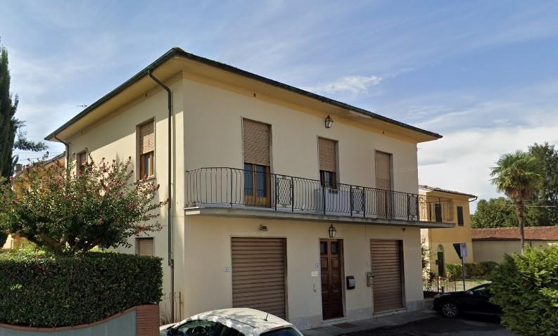 Locale comm.le/Fondo in vendita a Lucca