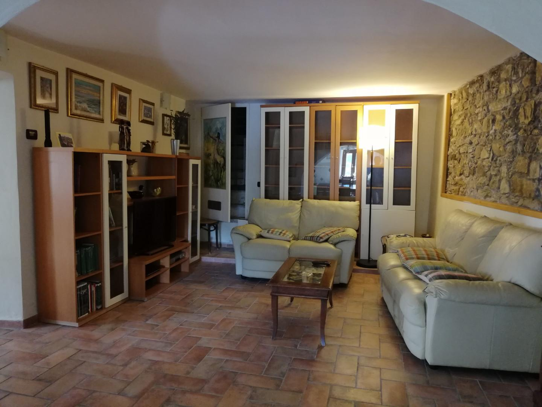 Farmhouse for sale in Carrara (MS)