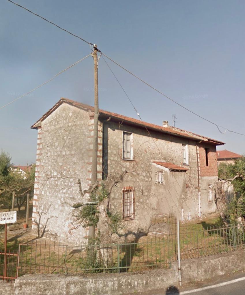 Rustico in vendita a Montignoso (MS)