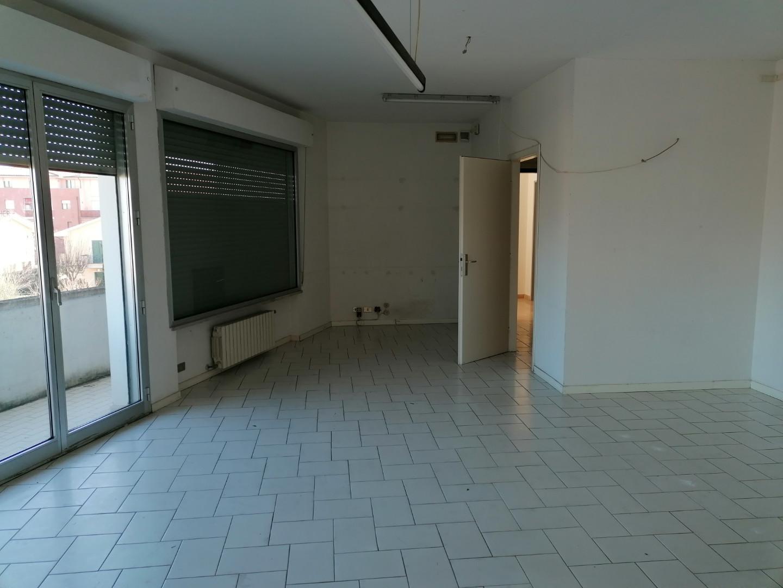 Ufficio / Studio in vendita a Ponsacco, 1 locali, prezzo € 62.000 | CambioCasa.it