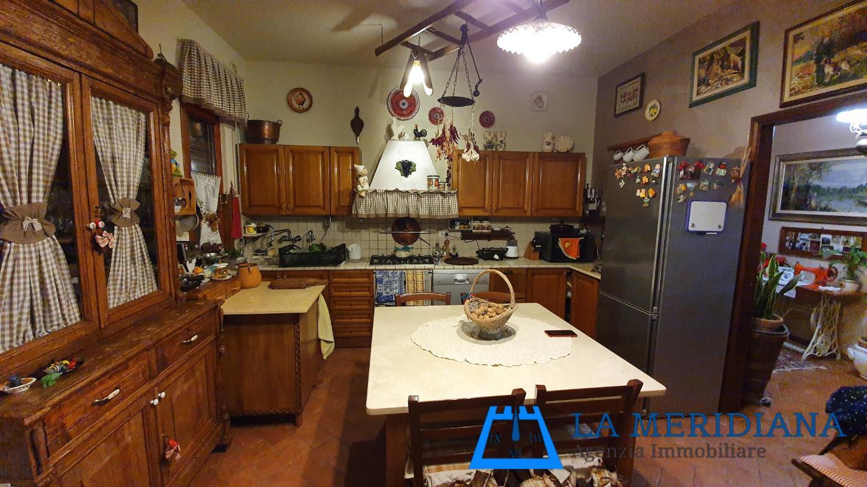 Appartamento in vendita a Larciano, 7 locali, prezzo € 185.000 | PortaleAgenzieImmobiliari.it