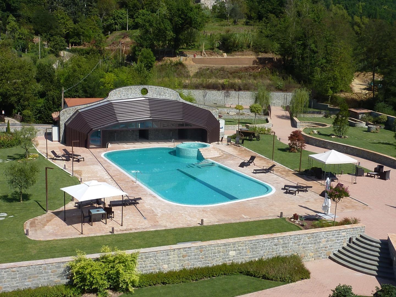 Albergo in vendita a Villafranca in Lunigiana, 19 locali, Trattative riservate | CambioCasa.it