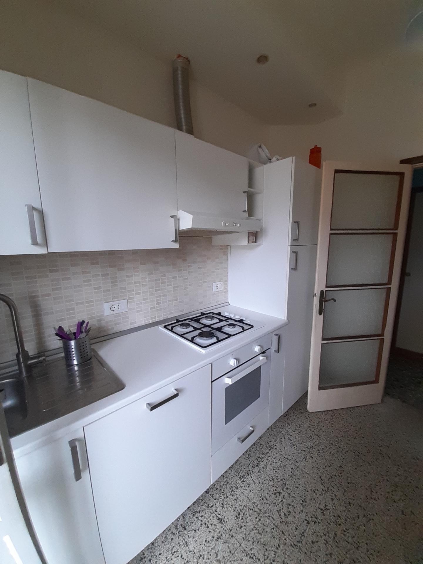 Appartamento in affitto, rif. a39/370