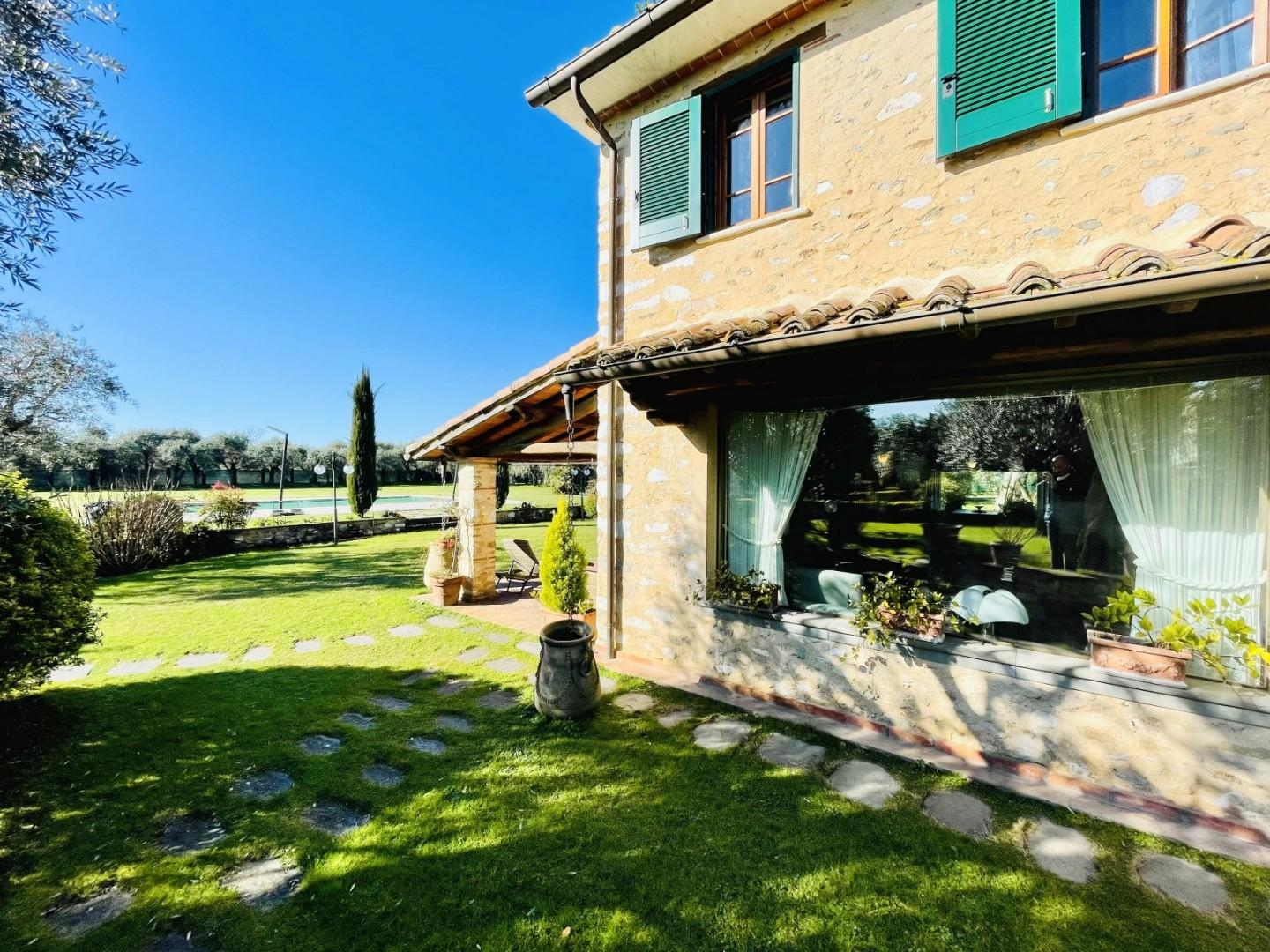Single-family house for holiday rentals in Pietrasanta (LU)