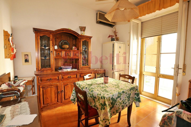 Appartamento in vendita, rif. 242
