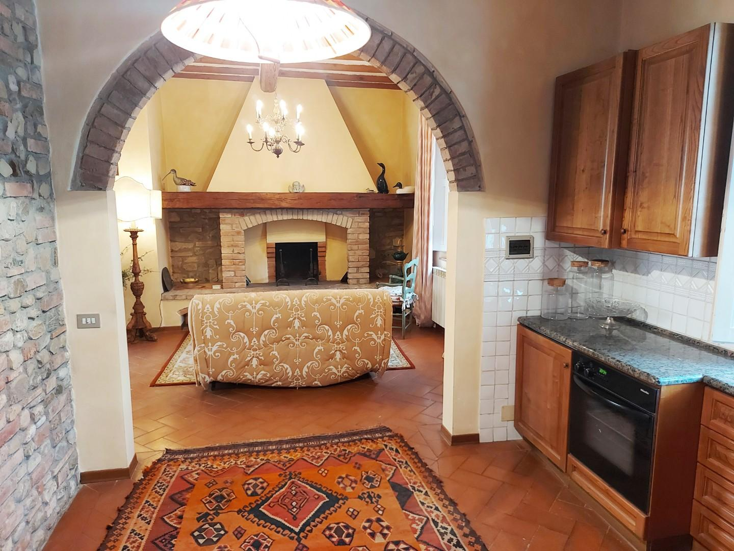Semi-detached house for sale in LaundriesMonteroni d'Arbia (SI)