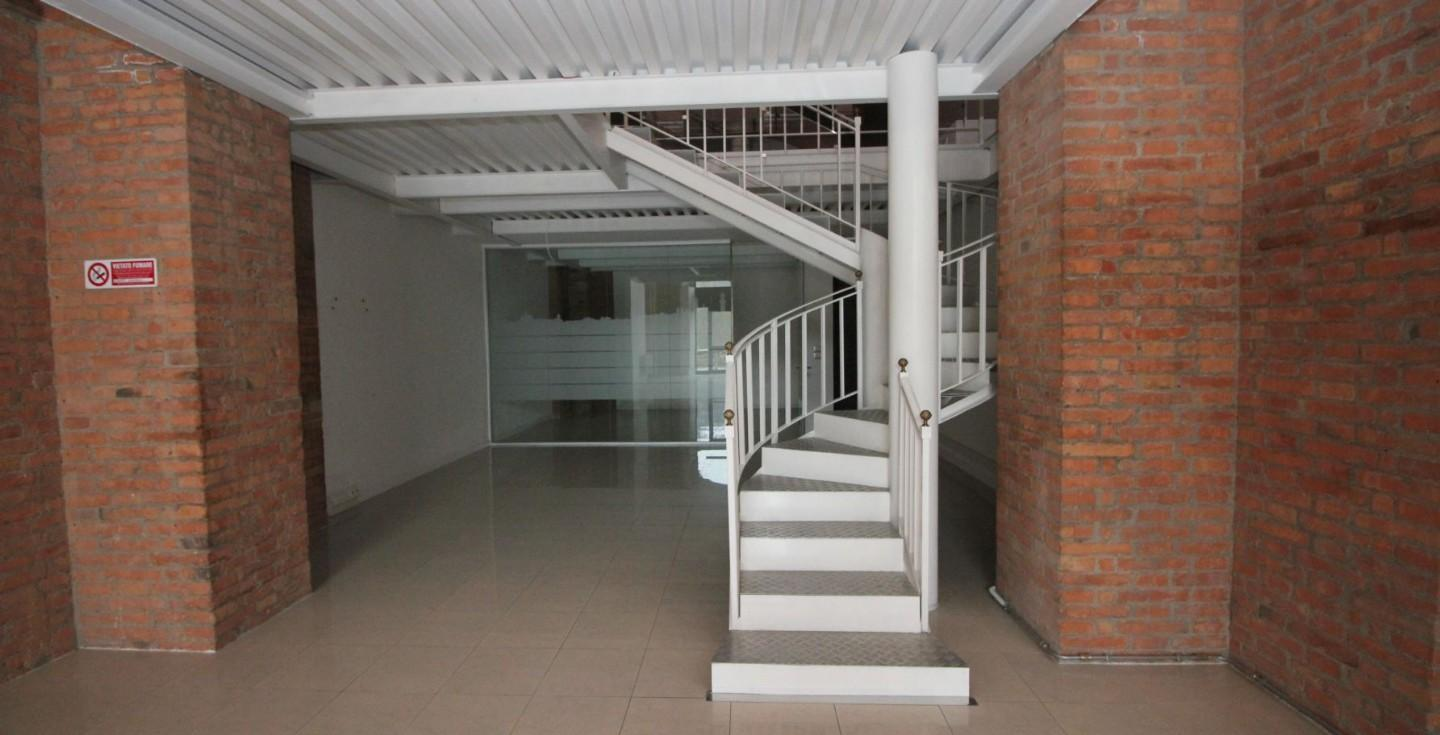 Business mall for commercial rentals, ref. c/69