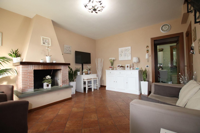 Villetta a schiera angolare in vendita a Lucca