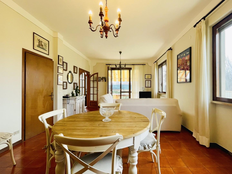 Три-семейный дом в аренда для Forte dei Marmi (LU)
