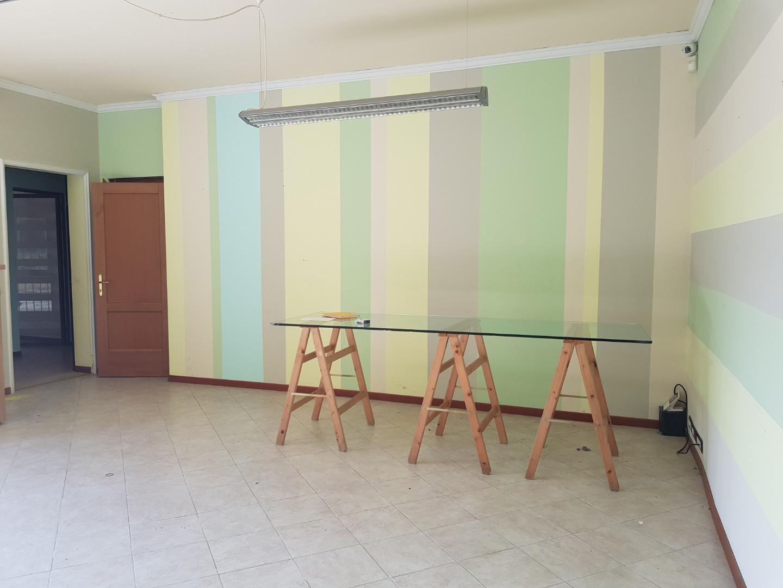 Capannone direzionale in affitto commerciale a Calci (PI)