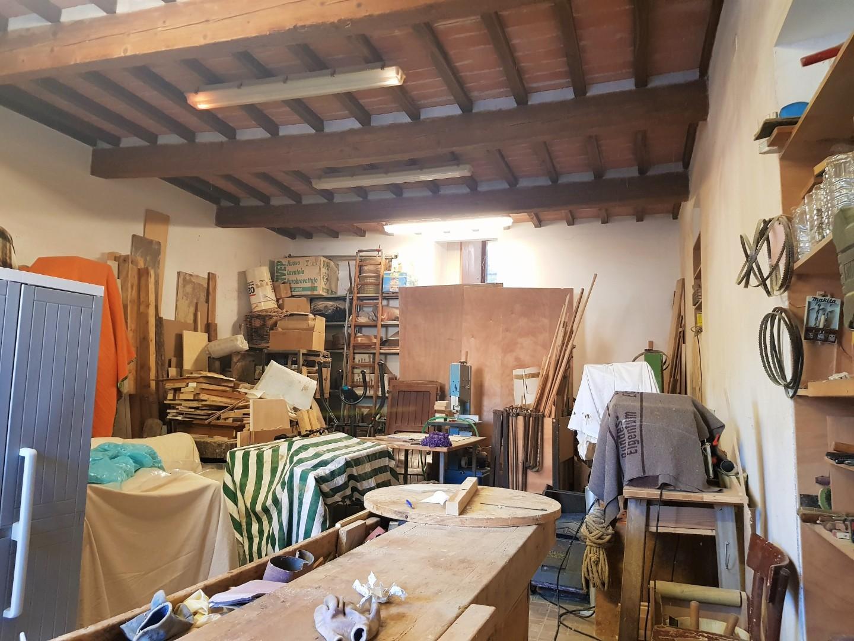 Garage in vendita a Vicopisano (PI)
