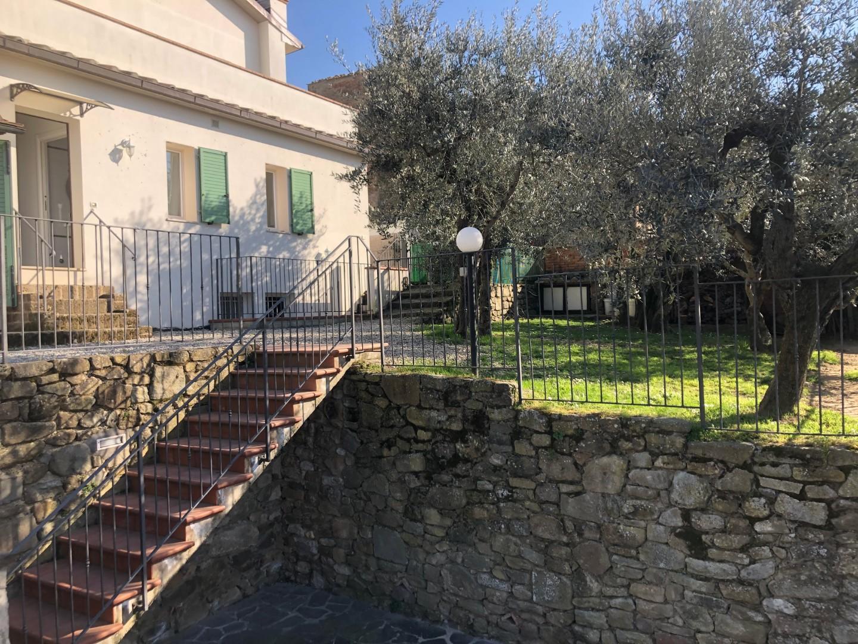 Villetta a schiera angolare in vendita, rif. F/0409