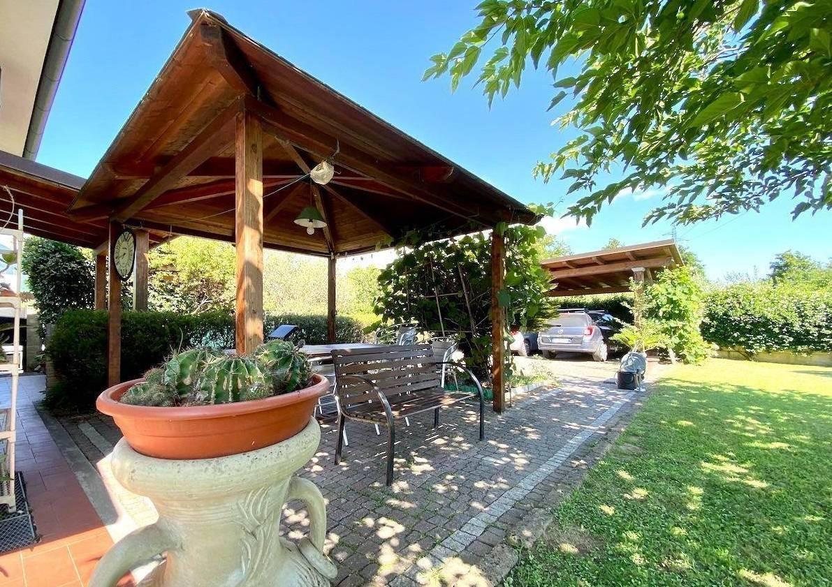Real Estate Advisor   Villetta bifamiliare in vendita a ...