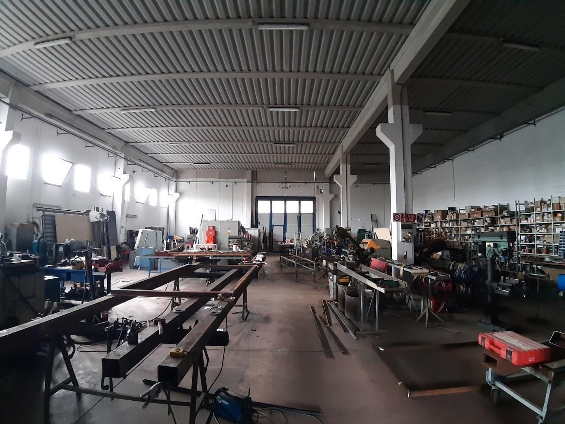 Capannone artigianale in vendita a Pisa