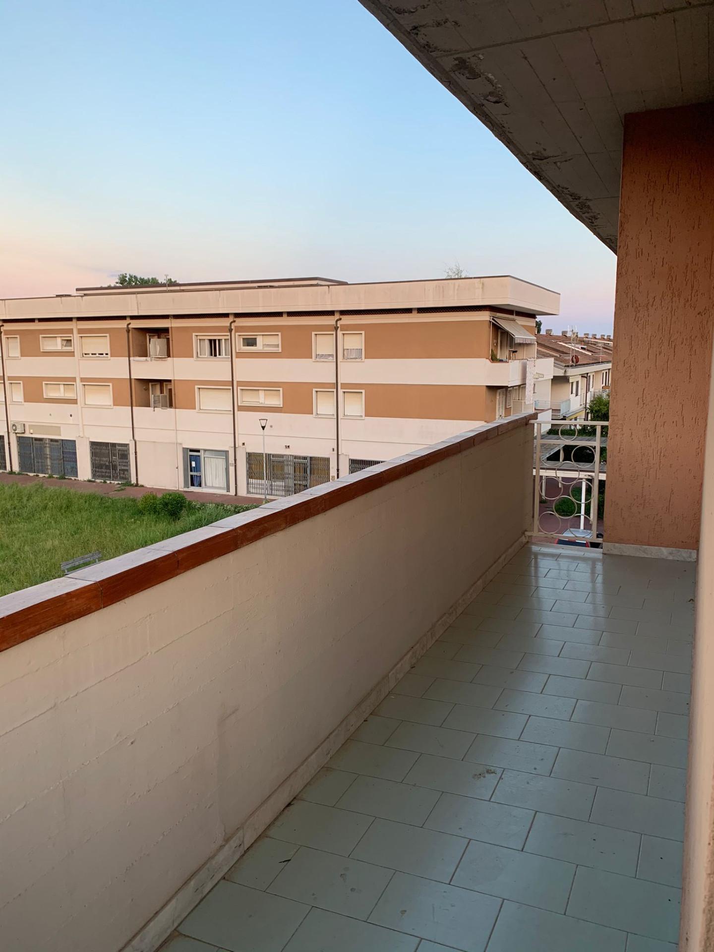 Appartamento in affitto a Ortonovo, 4 locali, prezzo € 800   CambioCasa.it