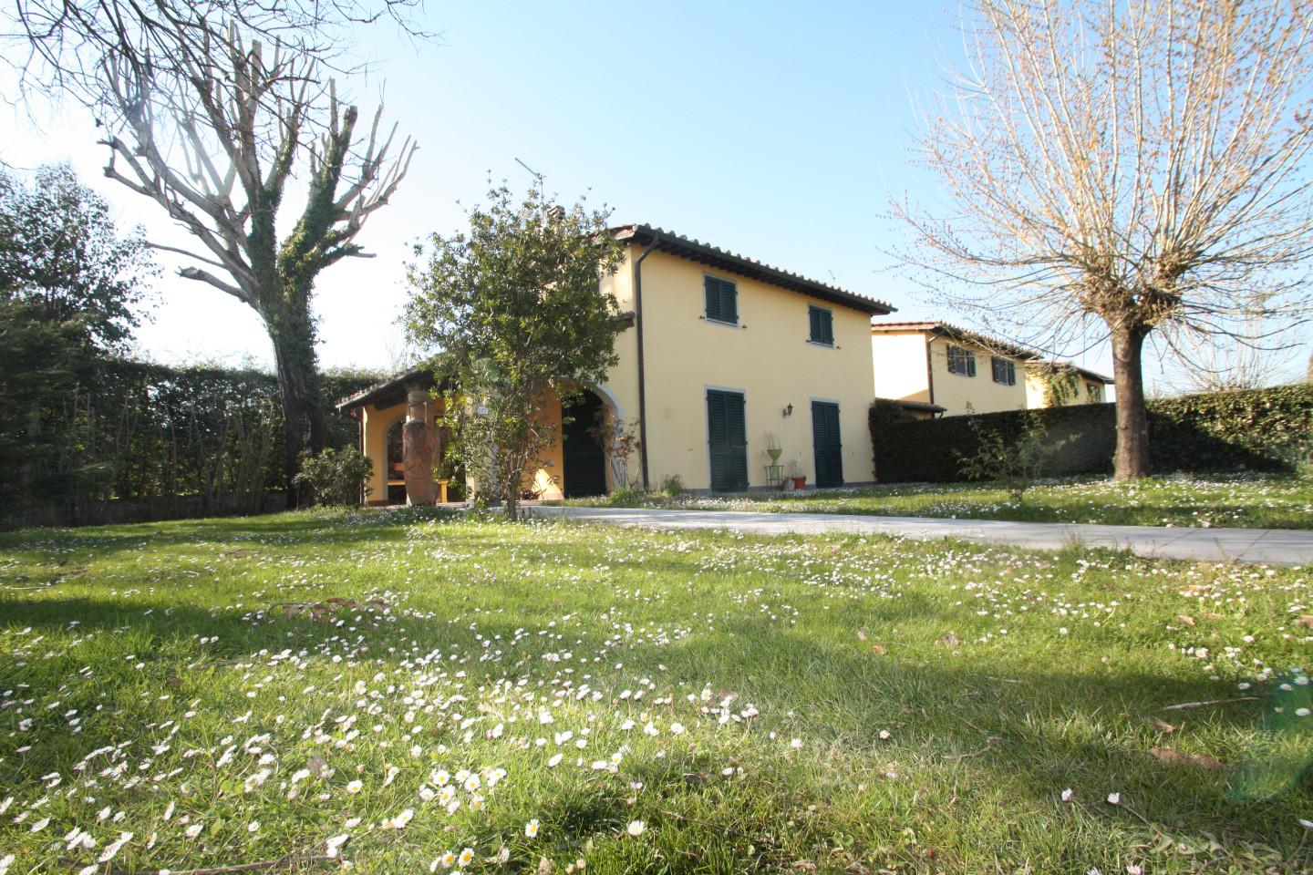 Semi-detached house in Lucca