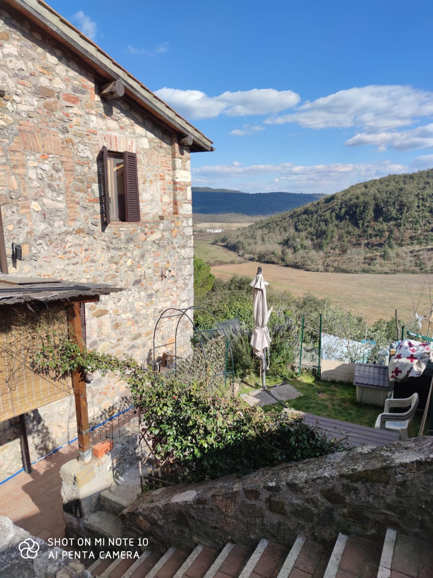 Soluzione Indipendente in vendita a Monticiano, 5 locali, prezzo € 190.000   CambioCasa.it