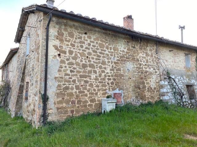 Rustico in vendita a Siena