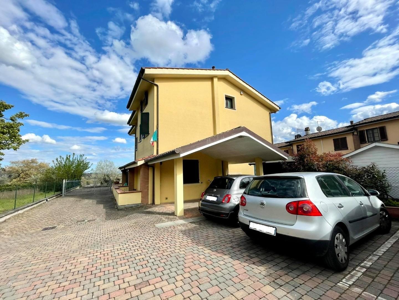 Villetta a schiera angolare in vendita a Porcari (LU)