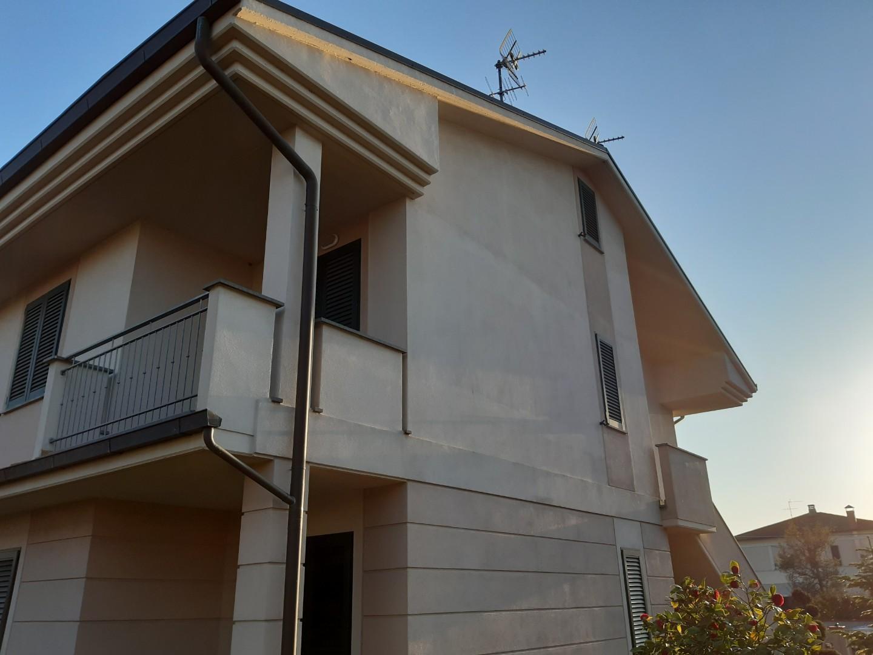 Casa semindipendente in vendita, rif. FC379