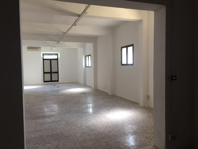 Locale comm.le/Fondo in affitto commerciale, rif. FC382