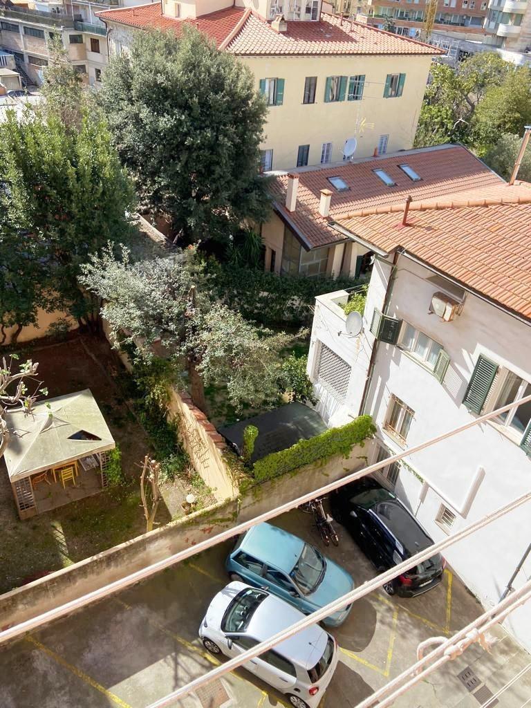 Appartamento in vendita a Livorno, 4 locali, prezzo € 260.000 | CambioCasa.it